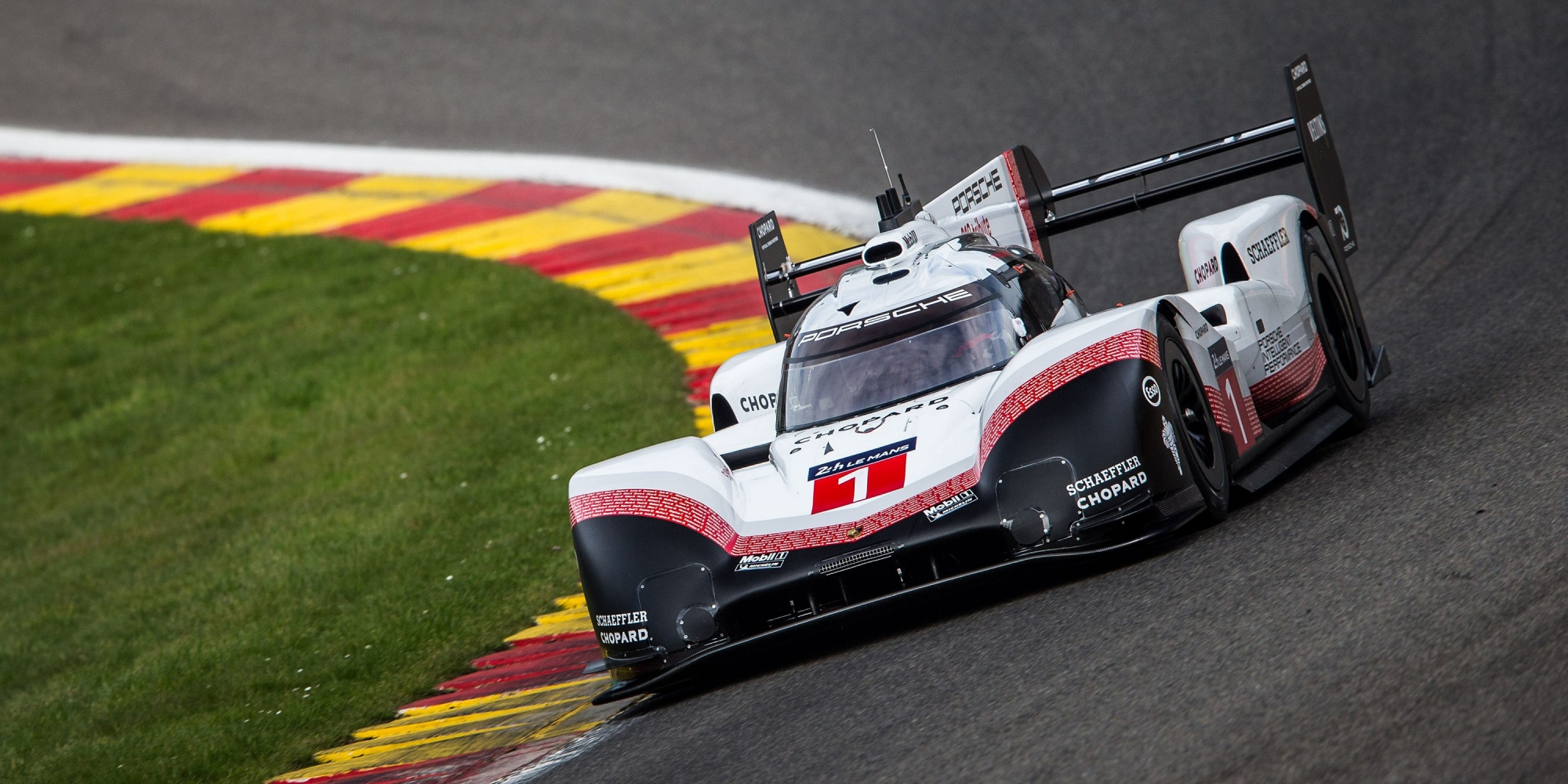 image 0 - Neel Jani geeft de start van de 25 Hours VW Fun Cup