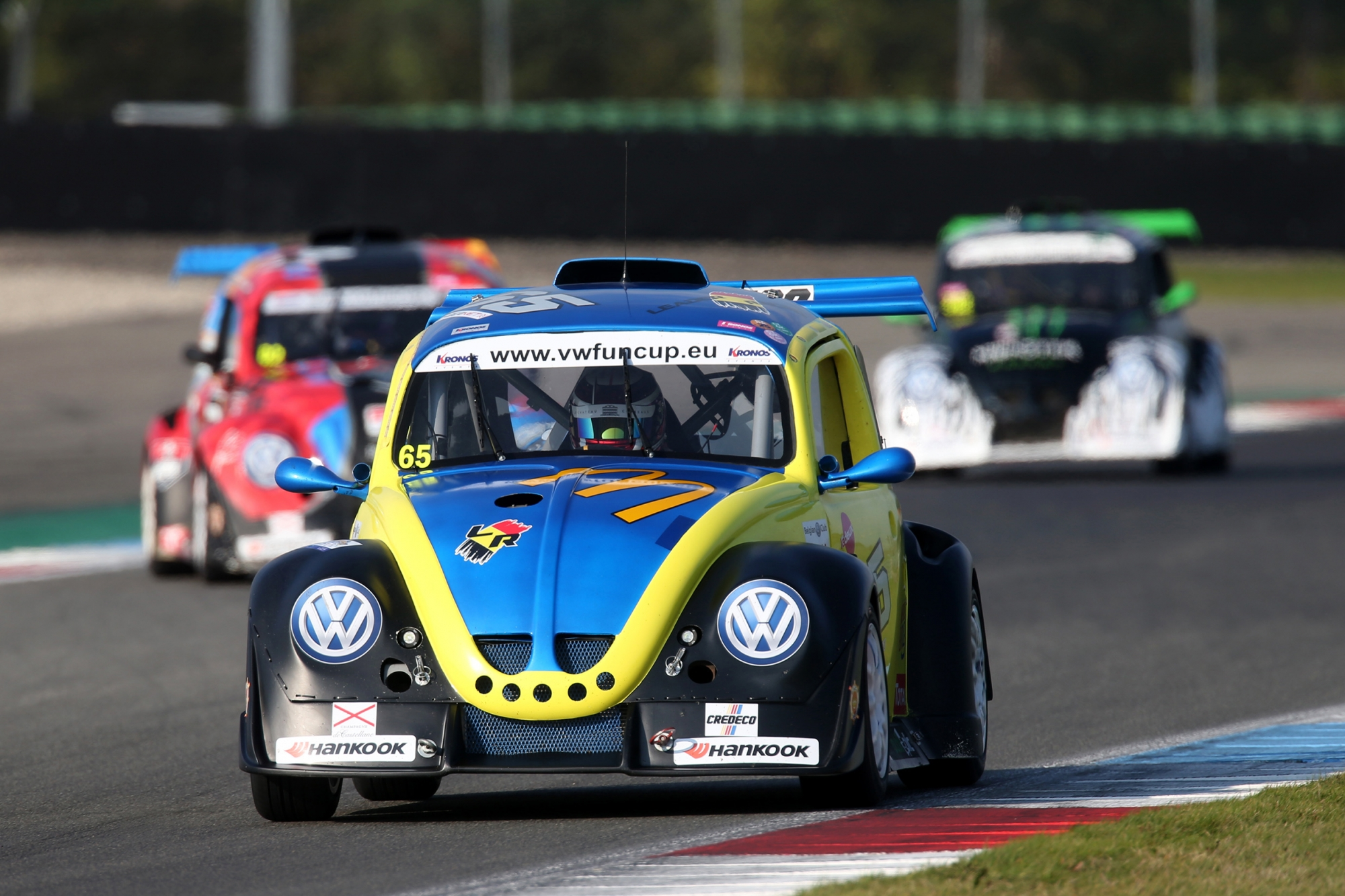 image 1 - Leader Racing en Monster by Milo pingpongen naar pole positie in Assen