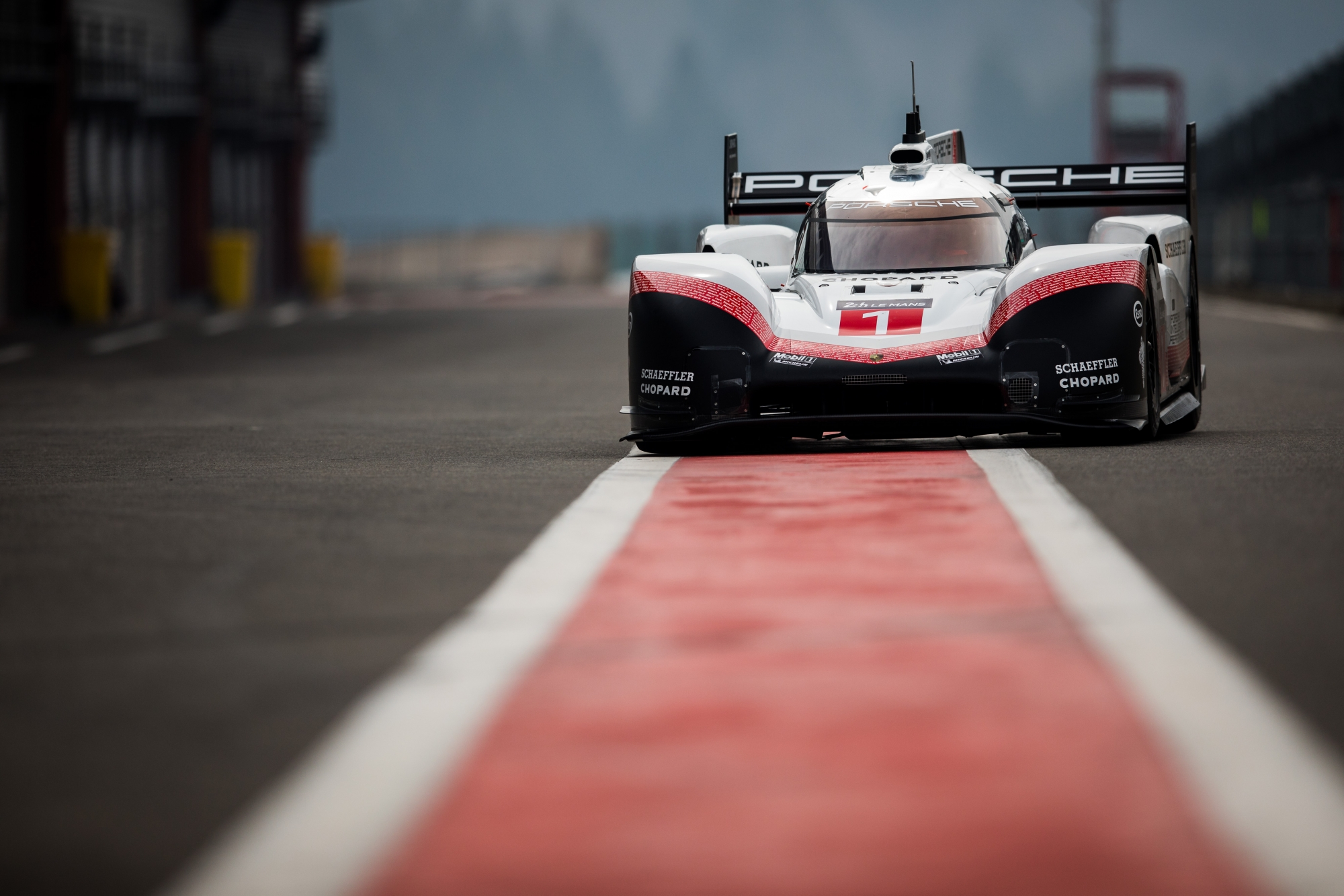 image 1 - The Porsche 919 Hybrid Evo demonstrates at the 25 Hours VW Fun Cup!