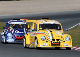 Marino Franchitti aan de start van de Hankook 25 Hours VW Fun Cup!